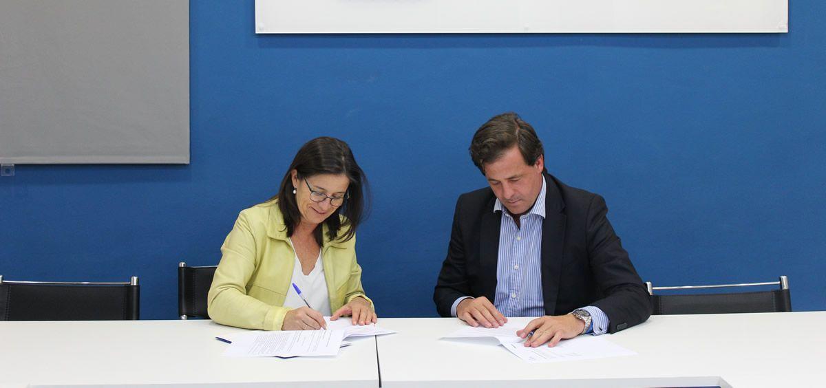 Firma Carlos Rus y Carmen Villa