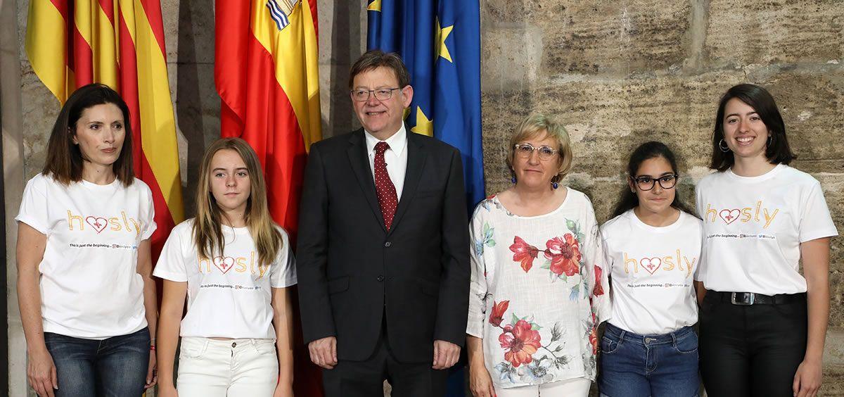 Amparo Oliver, Claudia Cortés,  Ximo Puig, Ana Barceló, Eva Alberola y Sara Martínez