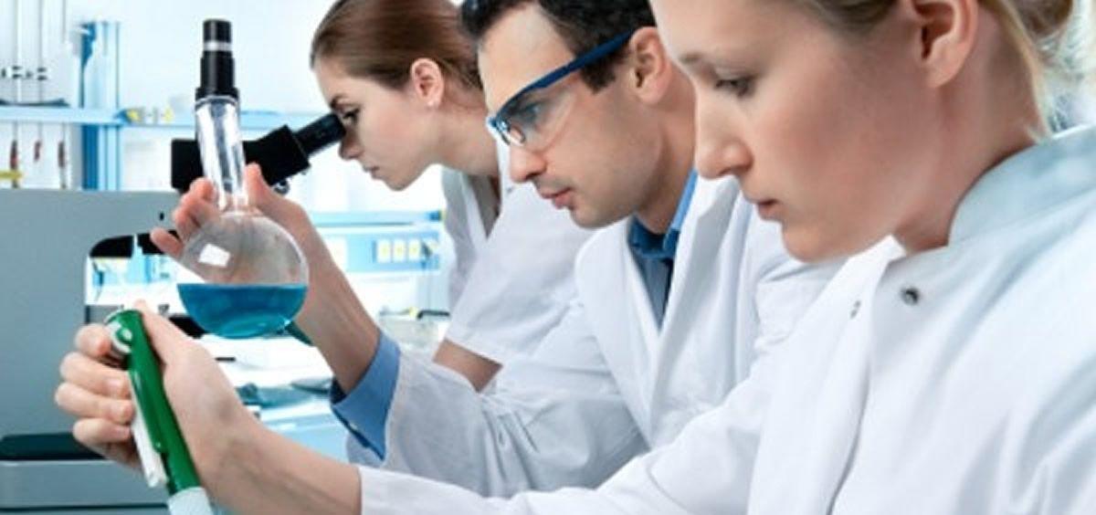 Investigadores. (Foto. Novocat Farma)