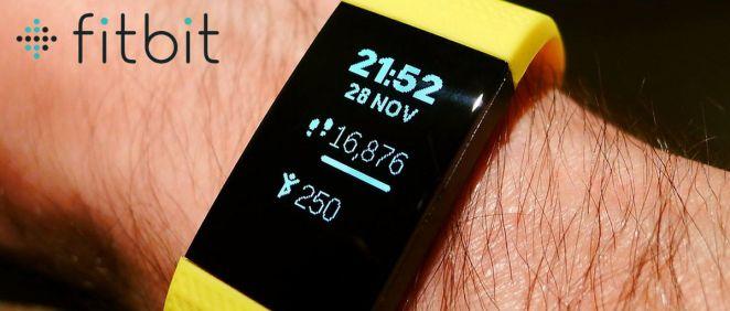 Fitbit (Fotomontaje ConSalud.es)