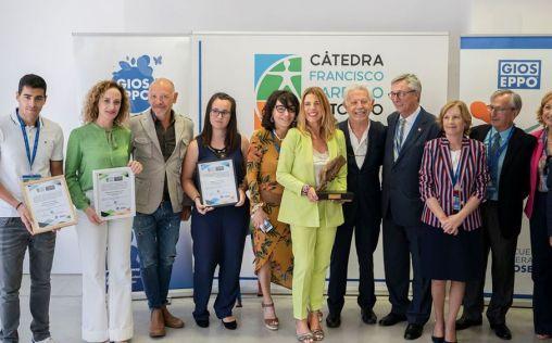 La Cátedra Fundación ASISA-UMH premia la labor de la Fundación Esperanza Pertusa