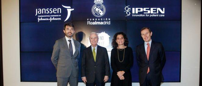 Firma del acuerdo entre Ipsen, Janssen y la Fundación Real Madrid (Foto. Fundación Real Madrid)