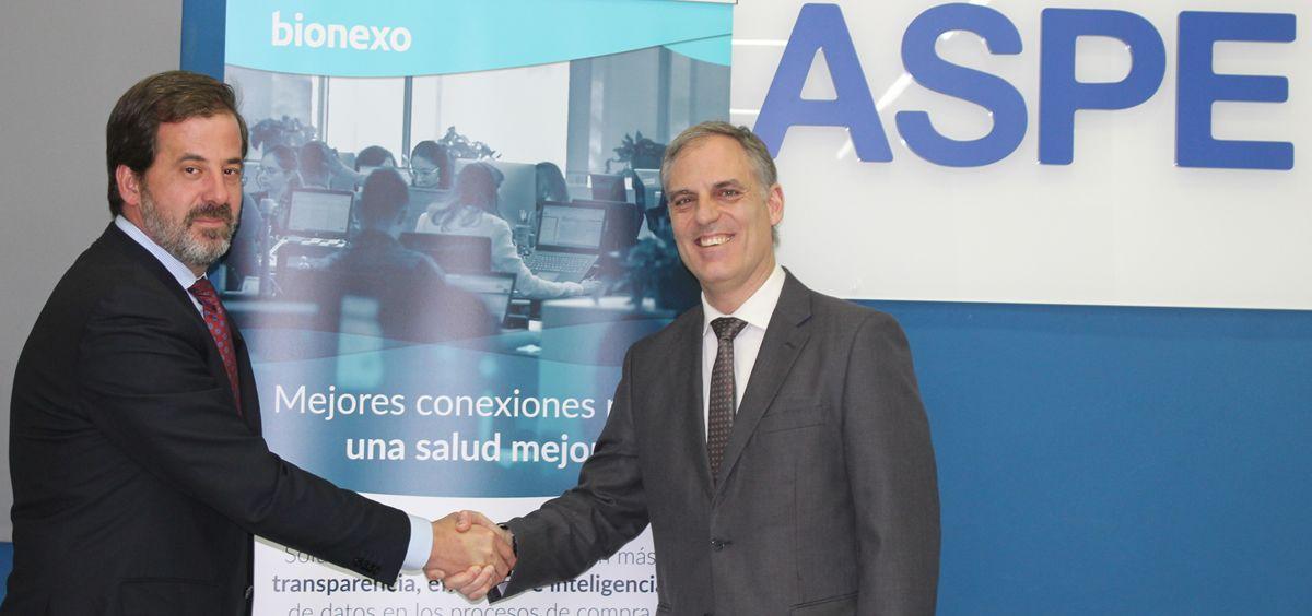Carlos Rus, presidente de ASPE, y Joan Batlle, country manager de Bionexo Ibérica (Foto. ECSalud)