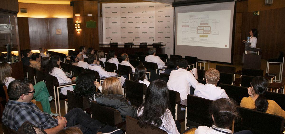 Inauguración del curso de actualización terapéutica en enfermedades infecciosas en el salón de actos de Povisa
