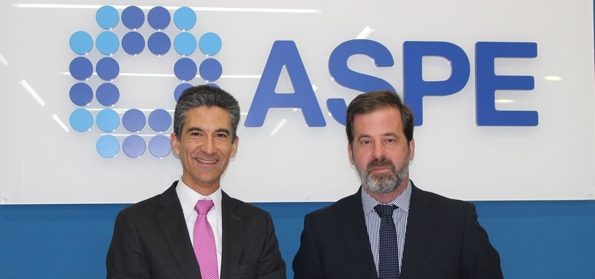 De izq. a dcha.: Pablo Corróns, director de Marketing Sectorial y de Producto de Aenor; y Carlos Rus, presidente de ASPE