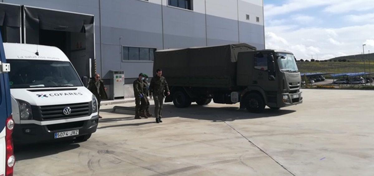 Fundación Cofares dona 6.000 geles de baño a las Fuerzas Armadas en la lucha contra el COVID 19