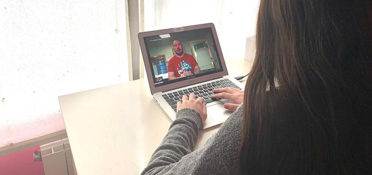 Ribera Salud pone en marcha el programa #CuídateEnCasa con una escuela de fisioterapia