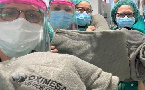 Oximesa Nippon Gases hace llegar una partida de mantas a los hospitales madrileños