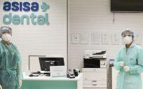 Los empleados de Asisa Dental contarán con equipos de protección (EPIs) para garantizar su seguridad y la de sus pacientes (Foto. ECSalud)