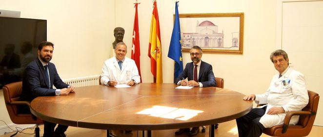 De izq. a dcha.: Fernando Paz, Manuel Conde, Francisco Vázquez, y el doctor Roberto Martínez.