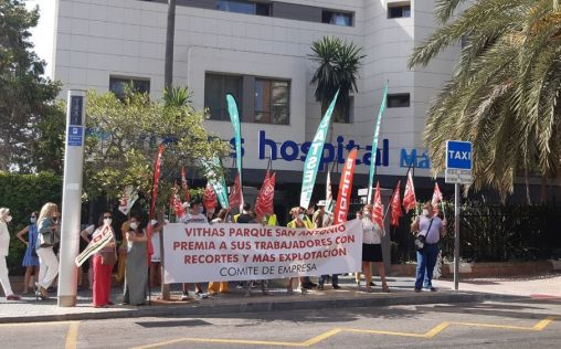 La plantilla del Hospital Vithas Málaga se vuelve a concentrar para defender sus derechos laborales