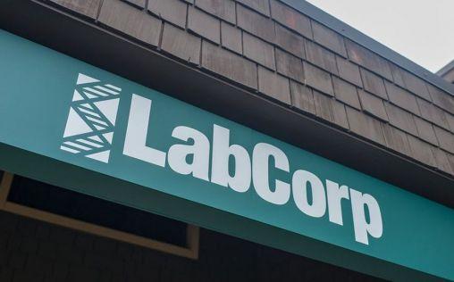 """LabCorp realizará prueba de anticuerpos """"sin cargo"""" para acelerar la donación de plasma sanguíneo"""