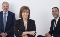 De izq. a dcha: Santiago de Torres, presidente de Atrys Health e Isabel Lozano, CEO de Atrys Health y Jose María Huch, CFO de Atrys Health.