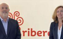 El director ejecutivo europeo de Centene Corporation y consejero de Ribera, Alberto de Rosa; y la consejera delegada del grupo, Elisa Tarazona.
