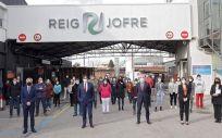 Illa visita la nueva planta de producción de medicamentos inyectables de Reig Jofre
