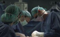 Ribera consolida el programa de cirugía sin sangre en el Hospital Universitario de Torrevieja