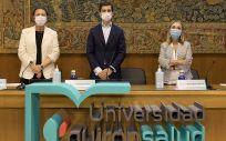 Leticia Moral, Héctor Ciria y Carmen Ayuso, durante las II Jornadas de Investigación Quirónsalud. (Foto. Quirónsalud)