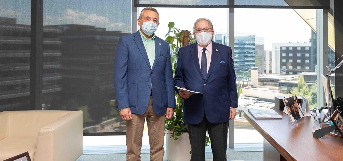 José Miguel Carrasco, presidente del Colegio de Enfermería de Málaga y Diego Murillo, presidente de AMA Vida Seguros y Reaseguros.