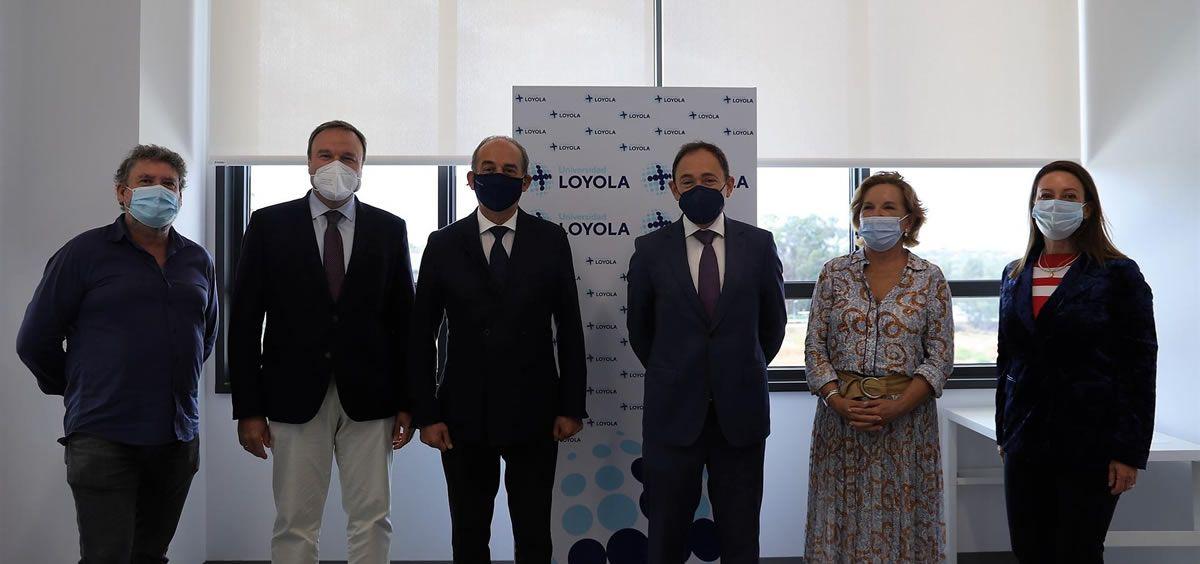 Acto de la firma del convenio de colaboración entre la Universidad Loyola y Quirónsalud.(Foto. Universidad Loyola)