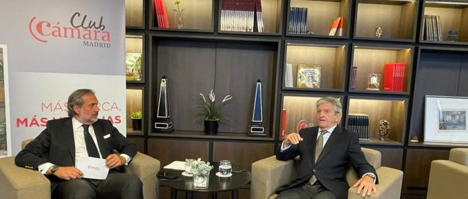 El presidente de la Cámara de Comercio de Madrid, Ángel Asensio; y el consejero delegado de Asisa, Enrique de Porres