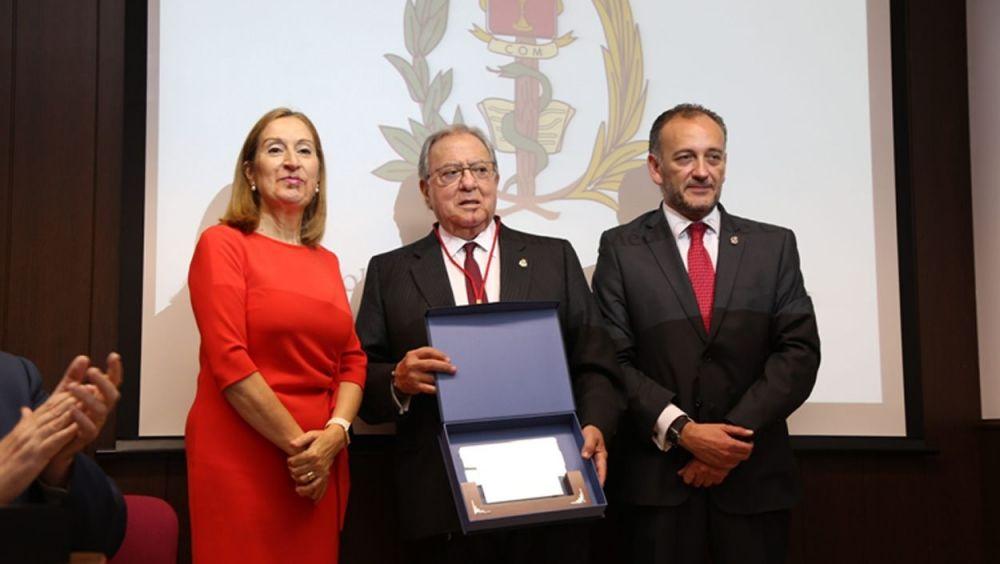 Diego Murillo en la entrega de la Medalla de Oro.
