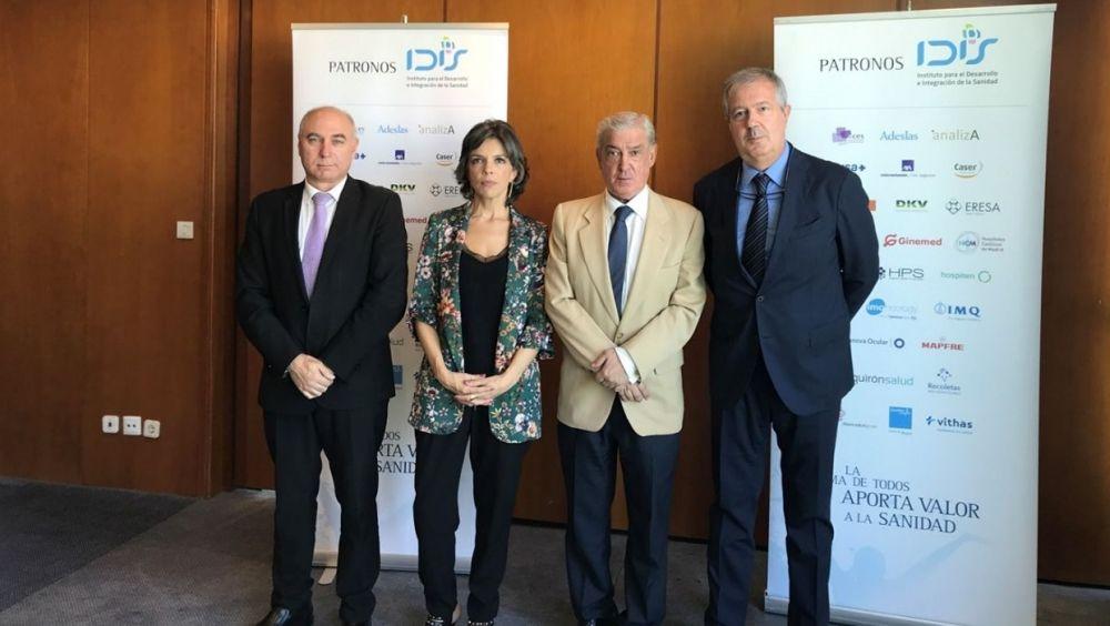 De izq. a dcha.: Antonio Torralba, Marta Villanueva, Félix Bravo y Luis Mayero, presidente de IDIS