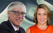 Olivier Brandicourt, CEO de Sanofi; y Heather Bresch, CEO de Mylan