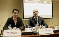 Ion Arocena, director general de Asebio junto a Andrés Ballesteros, delegado de la Comisión de Retos Transversales de Asebio.
