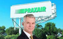 Stephen F. Angel, CEO de Praxair.