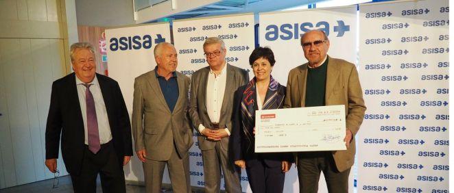 De izq. a dcha.: Joaquín Montolio (Asisa), Emilio Vives y Enric Pujol (El Sueño de la Campana) junto a Antonia Solvas (Lavinia Asisa) y Fernando Bermejo (El Sueño de la Campana).