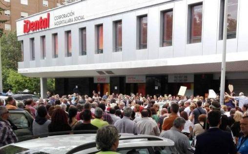 """Afectados de iDental exigen a Sanidad """"soluciones inmediatas"""""""