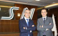 De izq. a dcha.: Salvador Salame, director territorial de Cataluña, y Roberto Feito, director territorial de Madrid.
