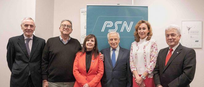 En el centro, Miguel Carrero, junto a María Martín, Esteban Ímaz, Antonio Tamayo, Pilar Calvo y Julián Somalo.