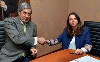 AMA Vida firma la póliza colectiva de vida con los médicos de Gran Canaria