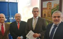 AMA Vida firma con el Colegio de Veterinarios de Granada la póliza colectiva de vida
