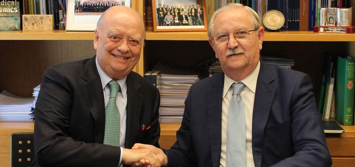 El acuerdo ha sido firmado en la sede del Cgcom, por su presidente, el doctor Serafín Romero Agüit, y el presidente de la Fundación Asisa, el doctor Francisco Ivorra Miralles