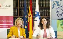 De izq. a dcha.: María Río, vicepresidenta y directora general de Gilead España; y Raquel Yotti, directora general del ISCIII