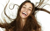 Evita los productos con siliconas y otras sustancias en el cabello