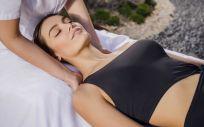 En Carmen Navarro proponen un protocolo completo, facial y corporal que recupera la piel