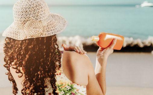 El 60% de los españoles solo utiliza protección solar en la playa o piscina