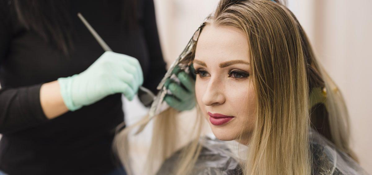 Consejos para elegir el tinte más adecuado para tu cabello (Imagen de Freepik)