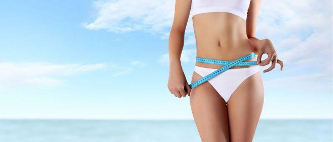 Cada vez son más los hombres y las mujeres que aprovechan el verano para someterse a algún tipo de tratamiento estético (Foto de Estetic)