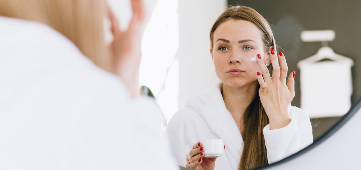 Para mantener una piel perfecta es importante tener una constacia en la aplicación de los productos (Foto de Estetic)
