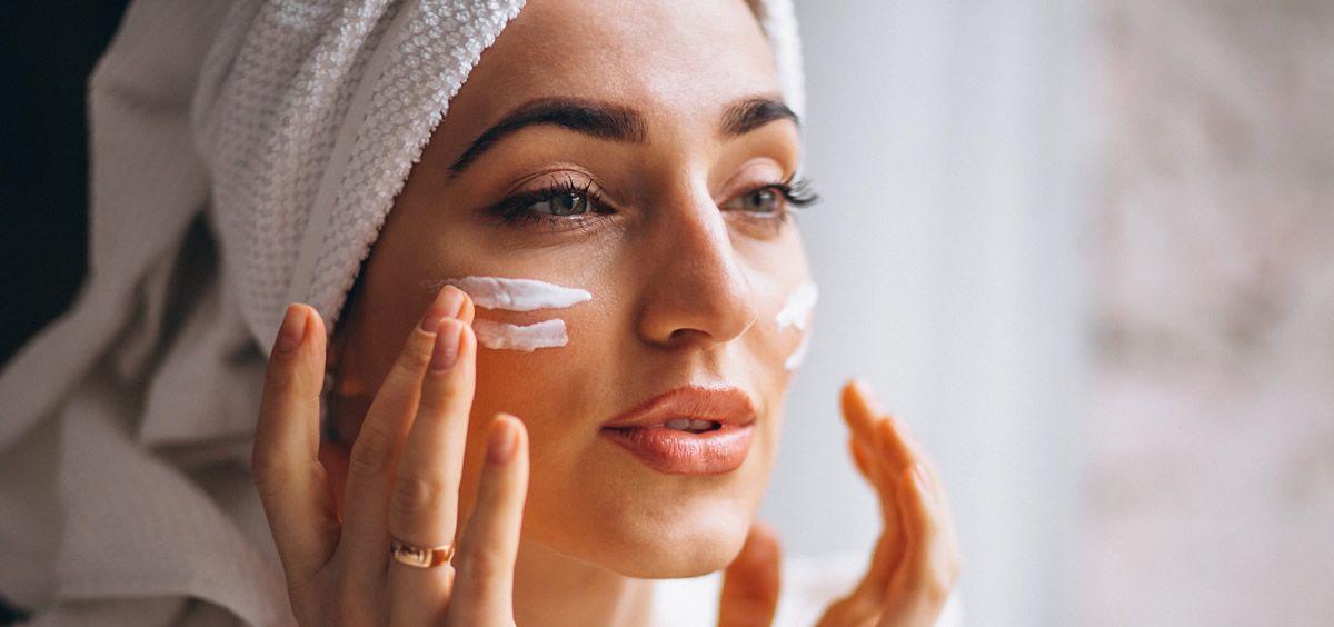 La piel se renueva constantemente y de forma equilibrada, pero nosotros debemos ser los encargados de asegurar su buen estado (Foto de Freepik)