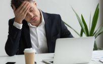 Algunas personas pueden pasar por un proceso adaptativo a la vida laboral más dificultoso, conocido síndrome postvacacional (Foto. Freepik)