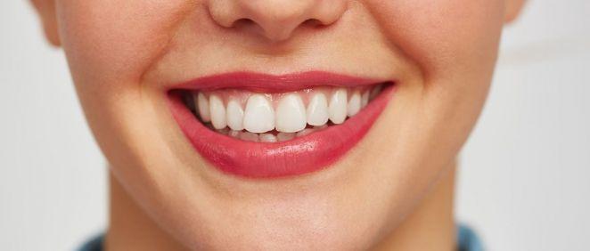 Tener unos dientes muy blancos es el deseo de muchos (Foto. Freepik)
