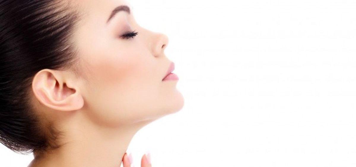 El cuello es una de las zonas olvidadas que delatan nuestra edad.