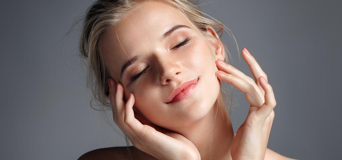 Las cremas y los sérums solo cubren una parte de las necesidades de nuestro rostro (Foto. Estetic)