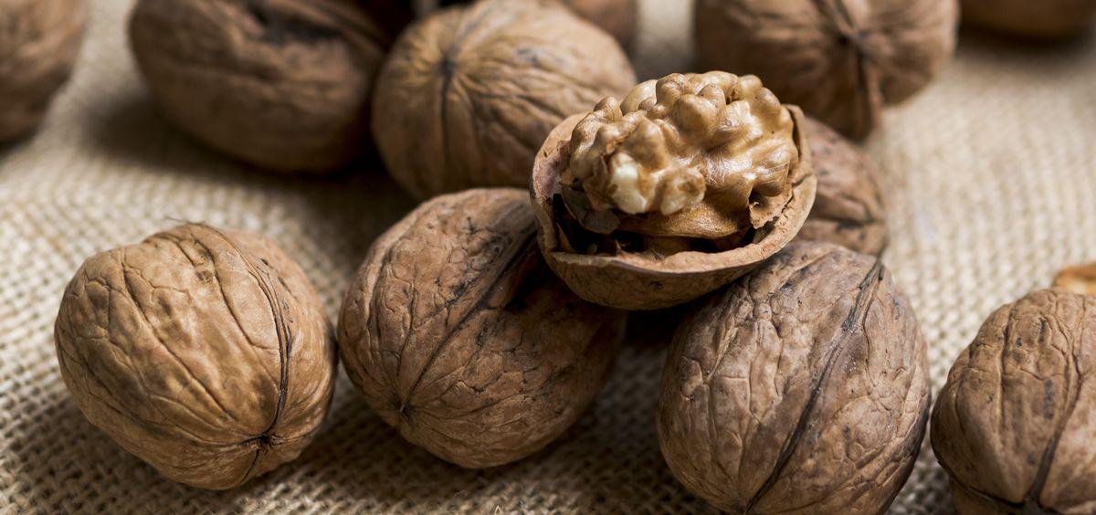Las nueces pueden reducir el riesgo de enfermedades cardíacas, reducir el riesgo de otras enfermedades, como la diabetes y el cáncer, y reducir el riesgo de mortalidad (Foto. Freepik)