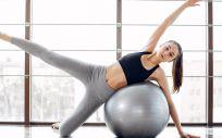 El método pilates permite recuperar la musculatura y el control del suelo pélvico (Foto. Freepik)